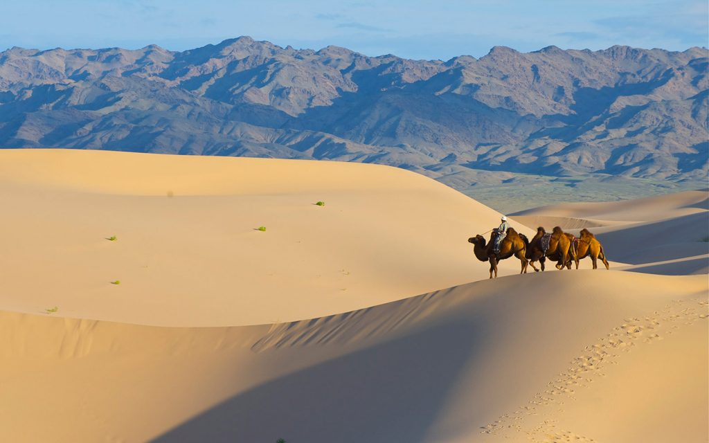 sand dunes of Dunhuang, China - china travel packages