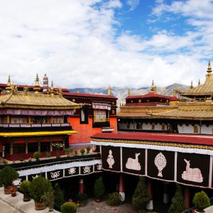 Jokhang Monastery Tibet - China Tour operators