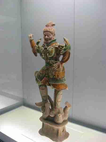 Buddhist statue in Shanghai museum - Visit China