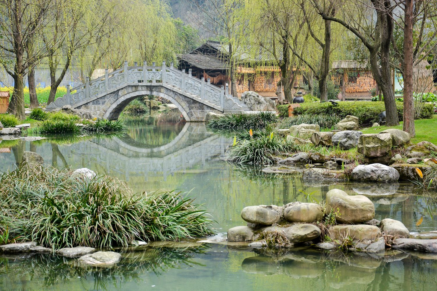 Chinese Garden With Ancient Stone Bridge - Trips to China