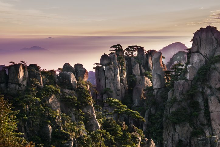 Huangshan mountain in Anhui, China - China Tours